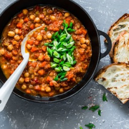10 Healthy Chili Recipes for National Chili Month | Cartageous.com/Blog