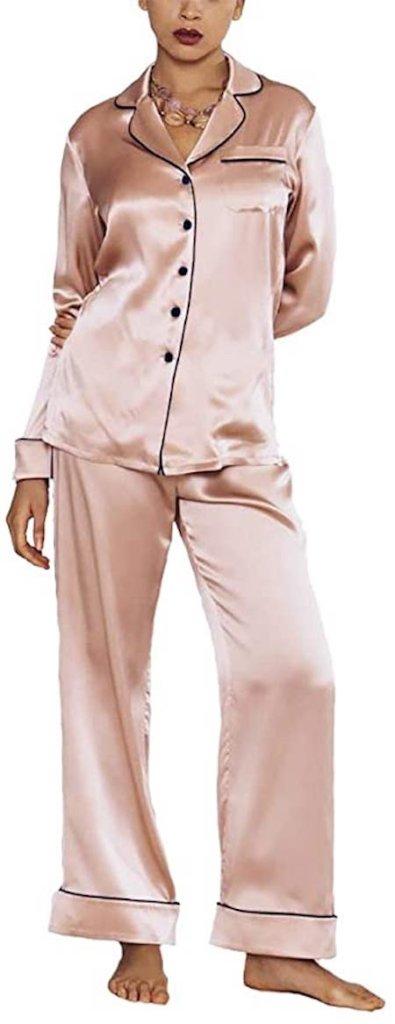 Cute Loungewear Pieces We'll Be Wearing WAY Past Quarantine | Cartageous.ca/blog