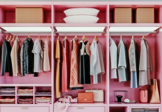7 Tips To Help Keep Your Closet Organized For Good | Cartageous.ca/Blog